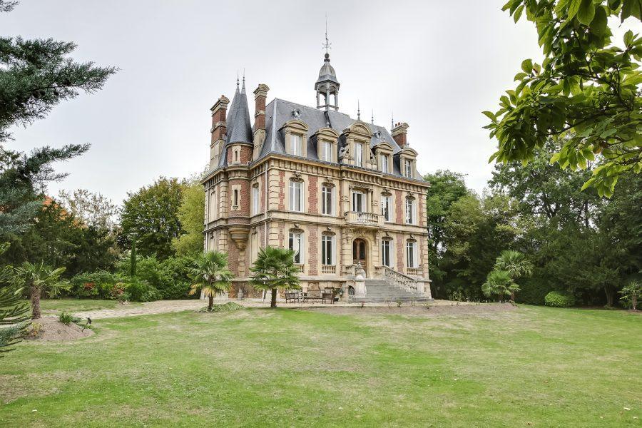 Propriété 450 m2 Style Néo-renaissance à LE VESINET (78 Yvelines)