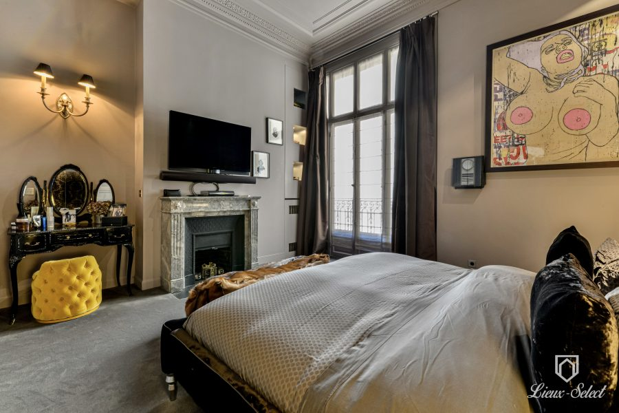 TRIANGLE D'OR PARIS 8eme appartement 4 PIECES 117 m2